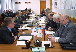 Top Management Meeting at Yuzhnoye, 2005-04 (C) Yuzhnoye