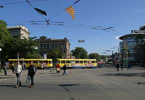 Central Part of Dnepropetrovsk, 2004-09, (C) Seiji Yoshimoto